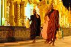 W świątyni Shwedagon Paya