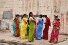 Kobiety przy świątynnej studni