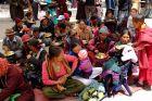 Indie, Leh, ludzie czekają na nauki buddyjskie