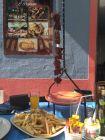 Espetada - mięso szaszłyk i dużo frytek i sałatek