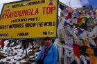 Indie, Kharung La, Ania ledwie żyje na najwyższej przełęczy 5600m npm