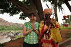 2010, Indie, Ania i... szaman?