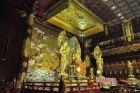 W świątyni Zęba w dzielnicy chińskiej