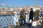 Wędkarze na Moście Galata