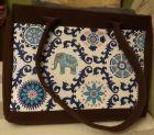 Brązowa torba filcowa z indyjskim motywem